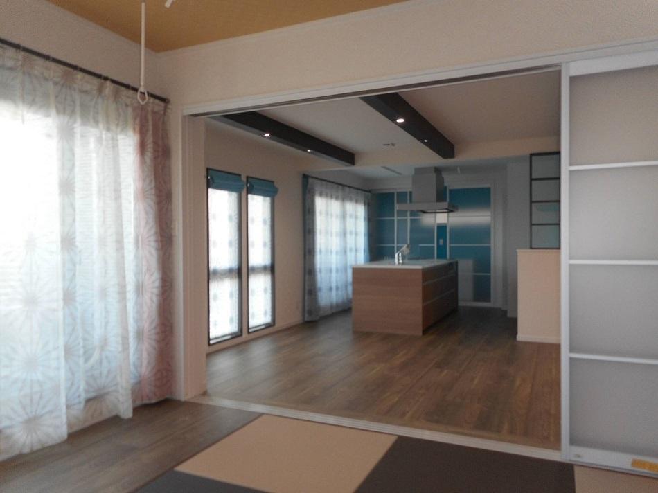 2階は機能性を重視したアイランドキッチンだから出来る快適性